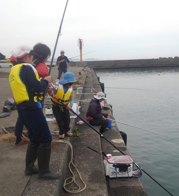 2019.11.24 今津漁港釣り教室 (2).JPG
