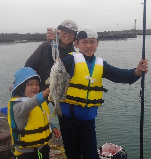 2019.11.24 今津漁港釣り教室 (3).JPG